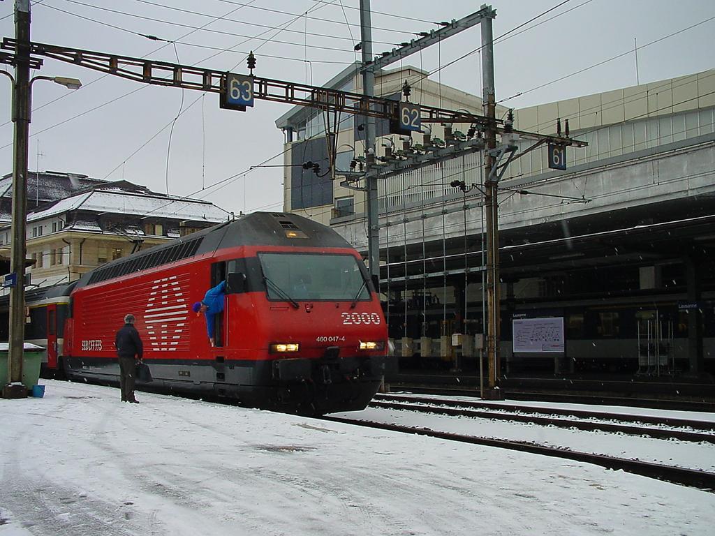 Photo d'une Re 460 000-118, Prise à Lausanne le 22 décembre 2000 12:57