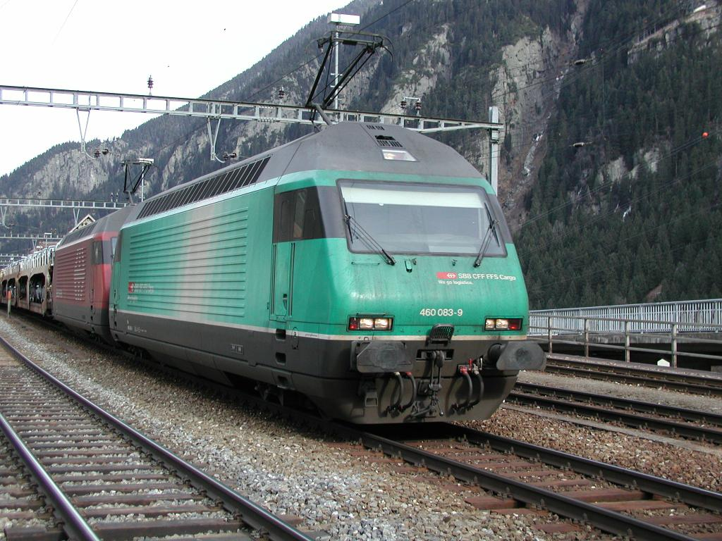 Photo d'une Re 460 000-118, Prise à Göschenen le 5 février 2002 12:00