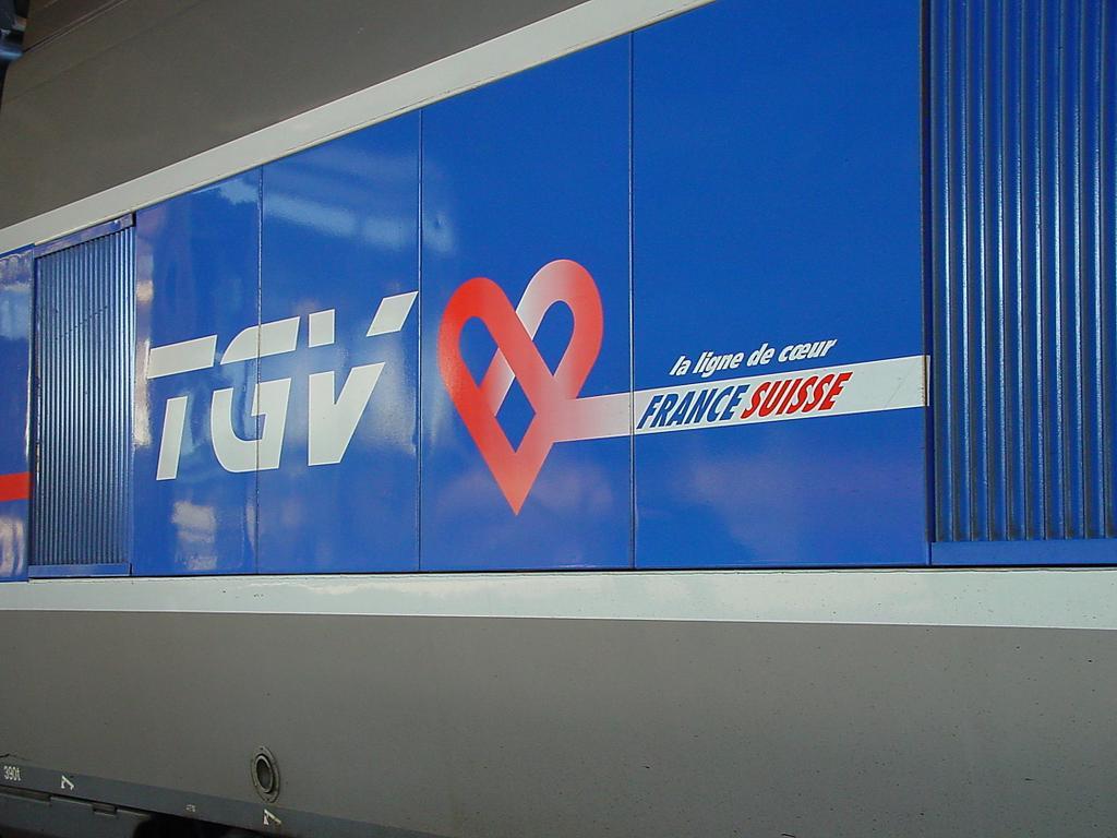 Photo d'une TGV, Prise à Lausanne le 10 mars 2002 11:57