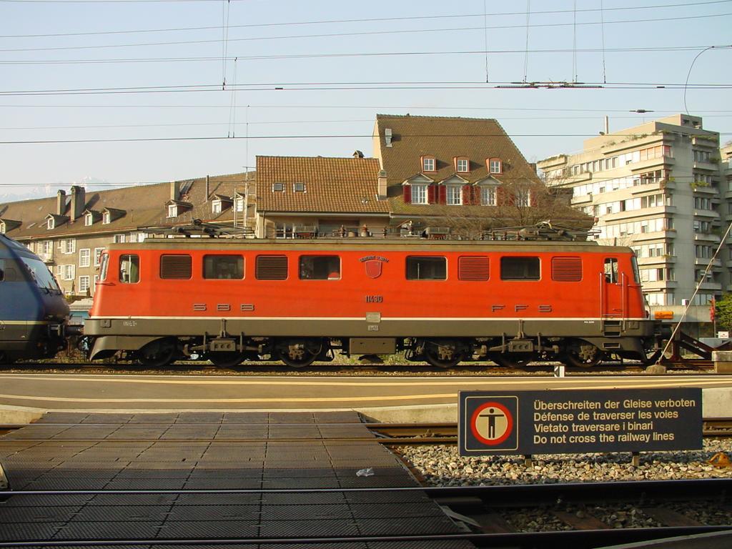 Photo d'une Ae 610 (Ae 6/6) 11403-11520, Prise à Thun le 16 mars 2002 09:01