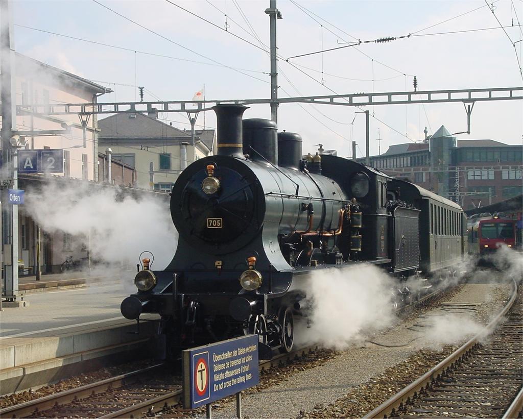 Photo d'une A 3/5 705, Prise à Olten le 20 avril 2002 04:34