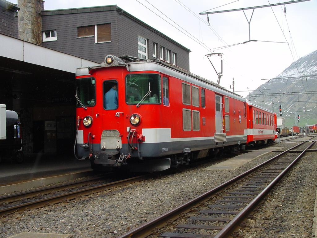 Photo d'une Deh 4/4 I 51-55, Prise à Andermatt le 11 mai 2002 02:28
