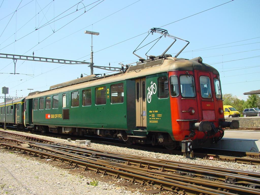 Photo d'une RBe 4/4 1401-1406, Prise à Murten le 16 mai 2002 02:04