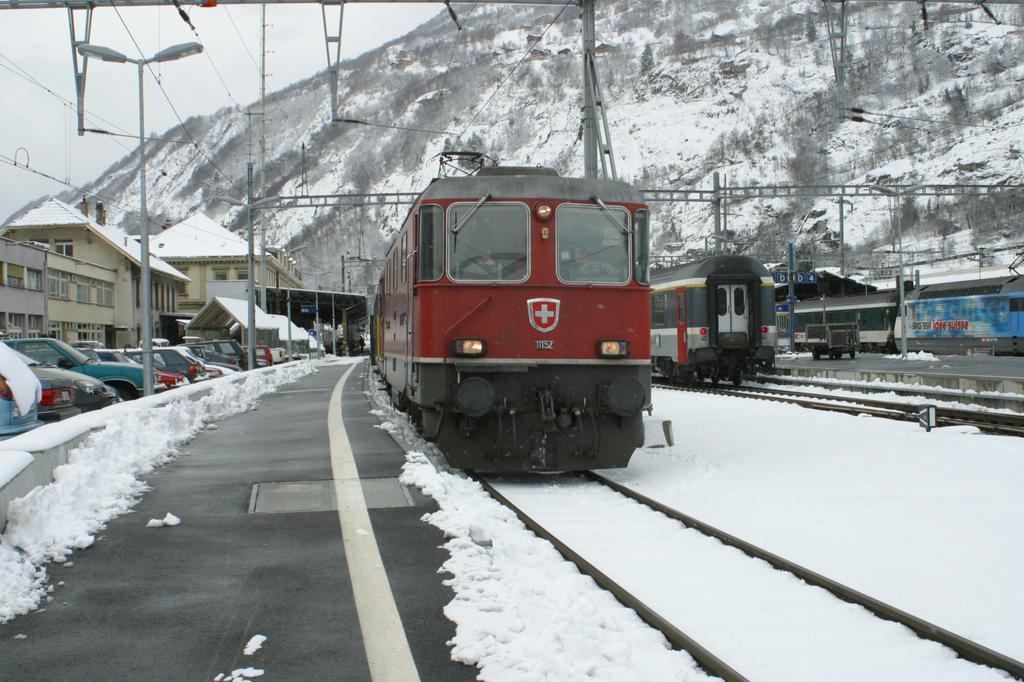 Photo d'une Re 420 (Re 4/4 II) 11101-11155, Prise à Brig le 30 janvier 2003 01:27