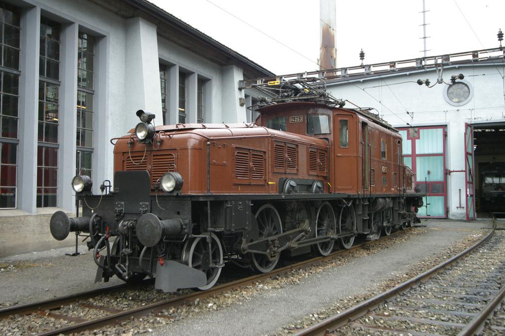 Photo d'une Ce 6/8 II 14253, Prise à Erstfeld le 30 août 2003 03:47
