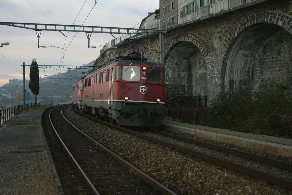 Photo d'une Ae 610 (Ae 6/6) 11403-11520, Prise à St-Saphorin le 26 novembre 2003 04:14
