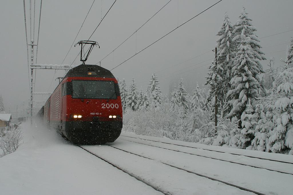 Photo d'une Re 460 000-118, Prise à Kandersteg le 28 novembre 2003 12:42