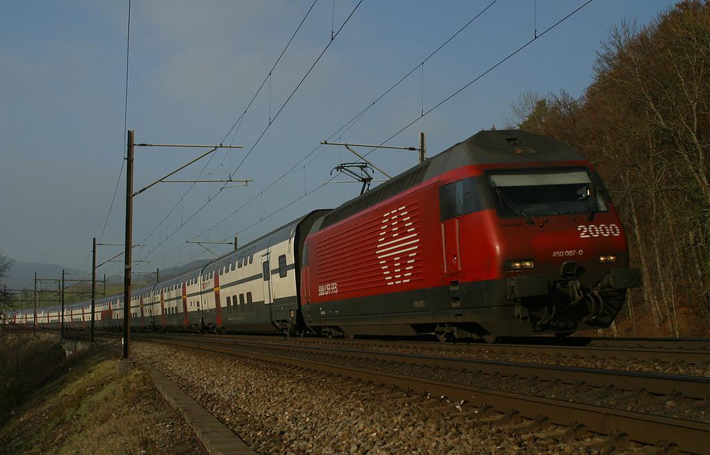 Photo d'une Re 460 000-118, Prise à Tecknau le 9 décembre 2003 01:20