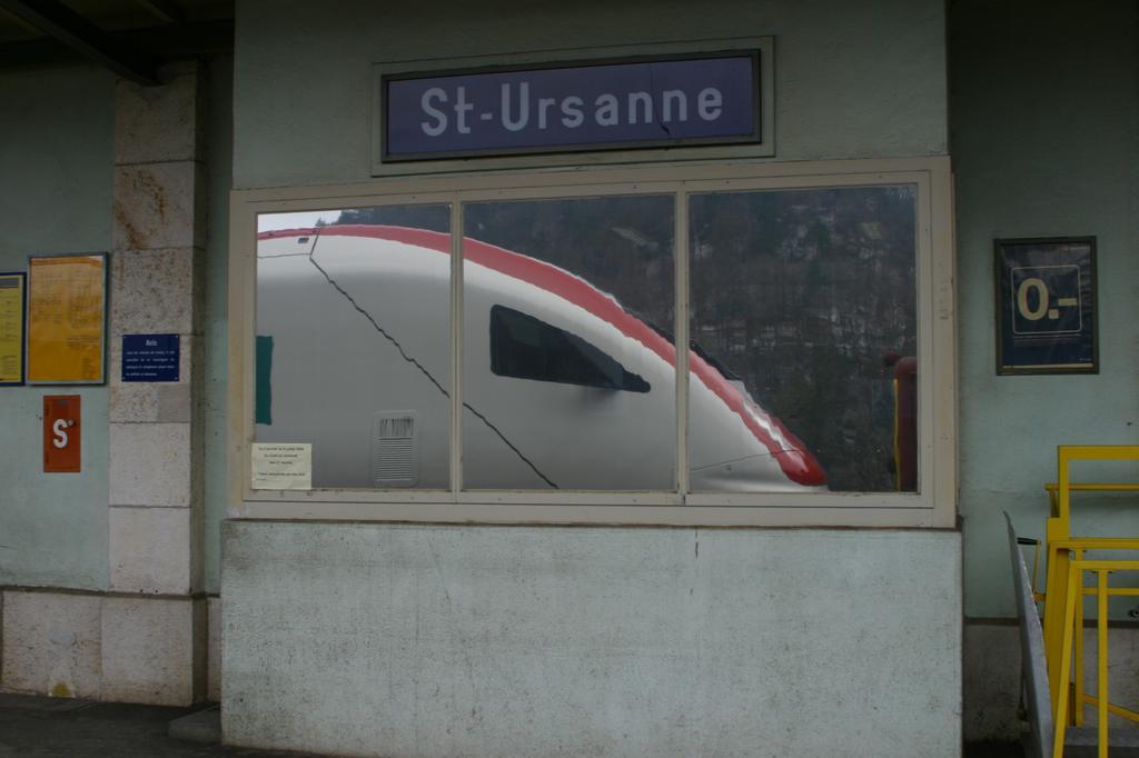Photo d'une RABDe 500 000-043, Prise à St-Ursanne le 12 février 2004 10:30