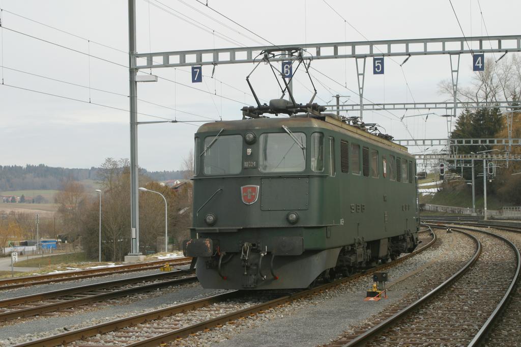 Photo d'une Ae 610 (Ae 6/6) 11403-11520, Prise à Romont le 4 mars 2004 10:56