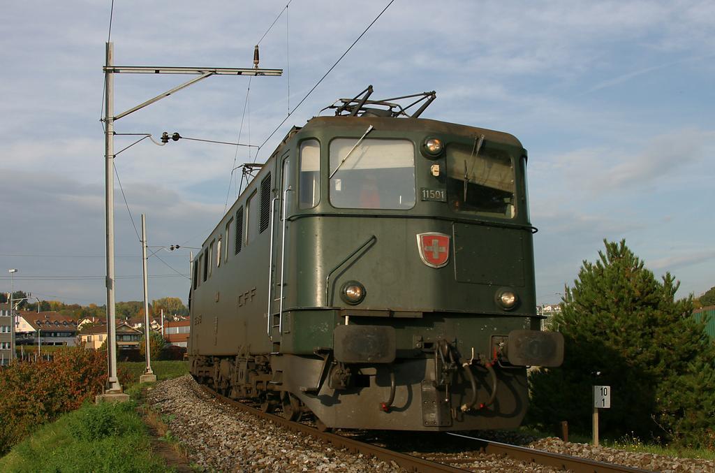 Photo d'une Ae 610 (Ae 6/6) 11403-11520, Prise à Lausanne-Triage le 22 octobre 2004 04:40