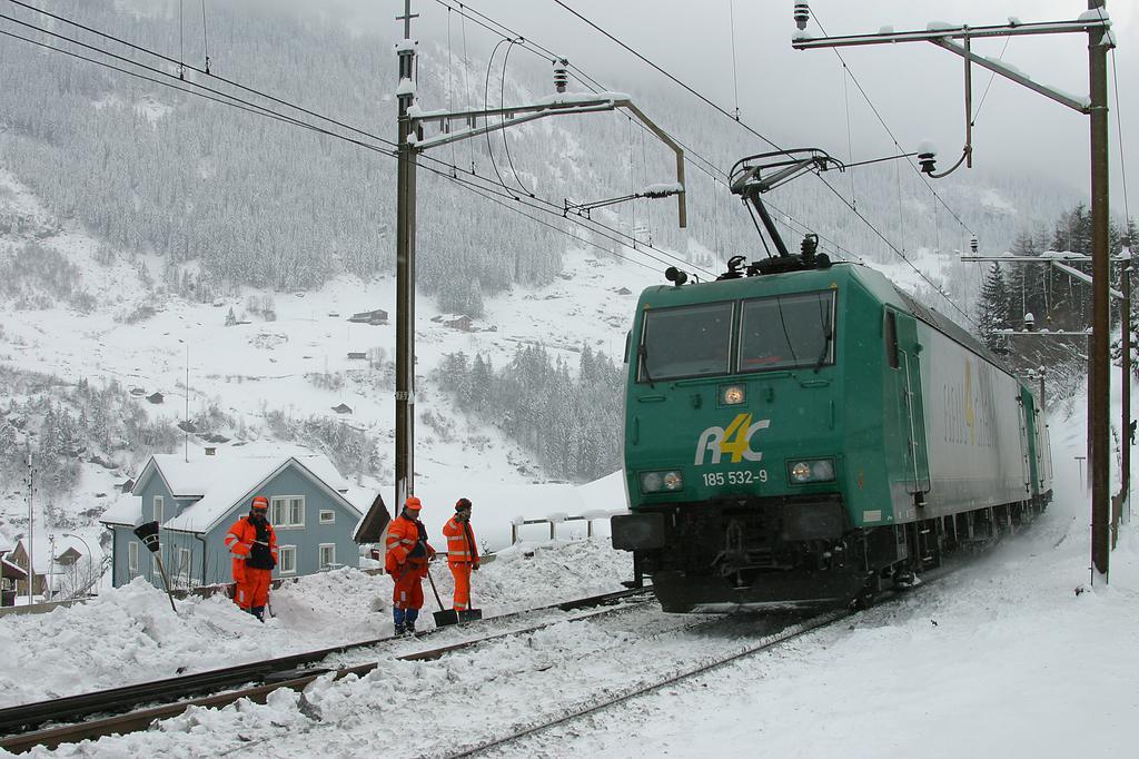 Photo d'une BR 185, Prise à Wassen le 25 janvier 2005 01:57