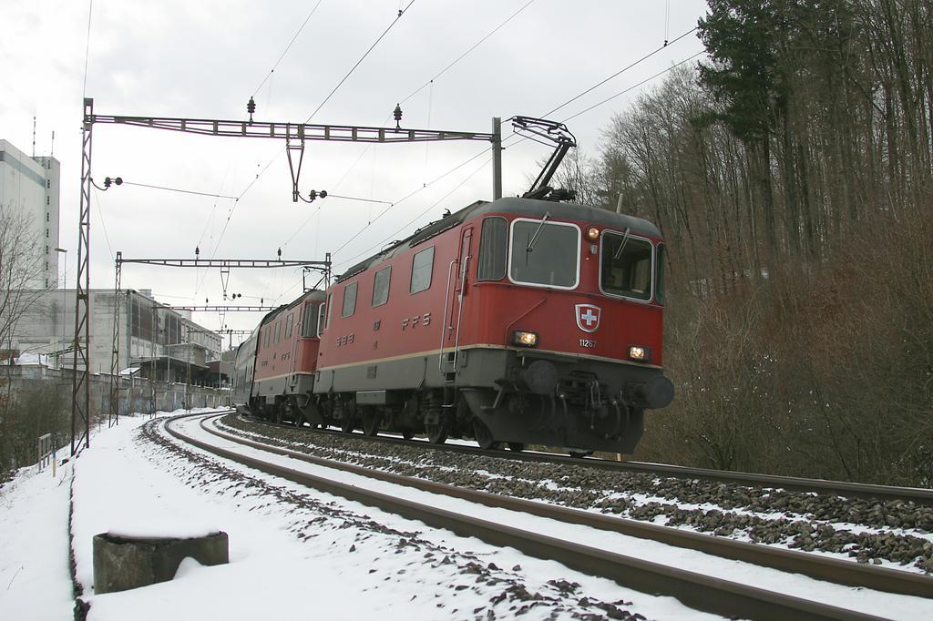 Photo d'une Re 420 (Re 4/4 II) 11156-11171 11173-11281 11283-11311 11313-11349 11371-11397, Prise à Roggwil-Wynau le 1 février 2005 03:00