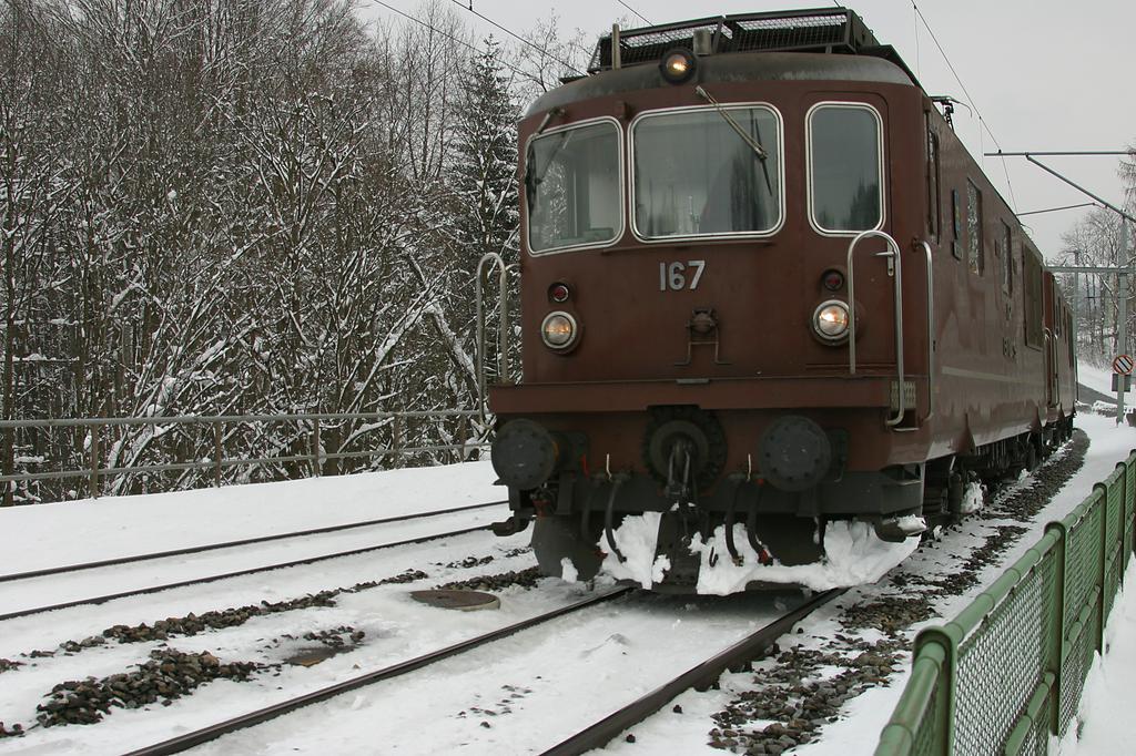 Photo d'une Re 4/4 161-195, Prise à St. Gallen Bruggen le 22 février 2005 02:03