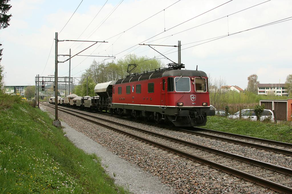 Photo d'une Re 620 (Re 6/6) 11605-11689, Prise à Oberglatt le 21 avril 2005 01:51