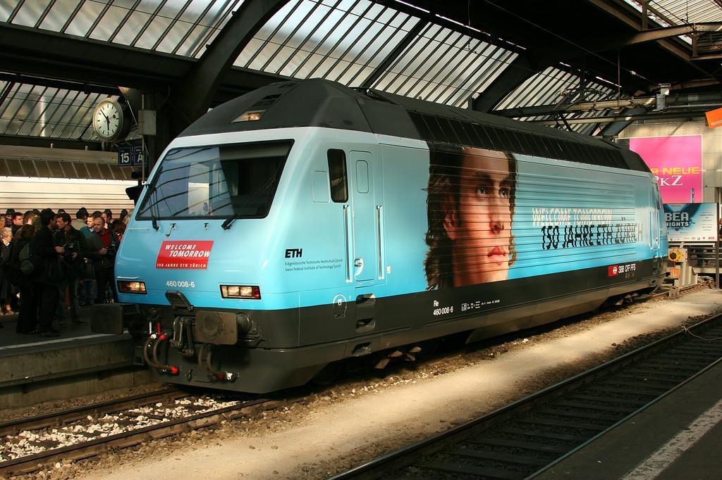 Photo d'une Re 460 000-118, Prise à Zürich le 21 avril 2005 05:54