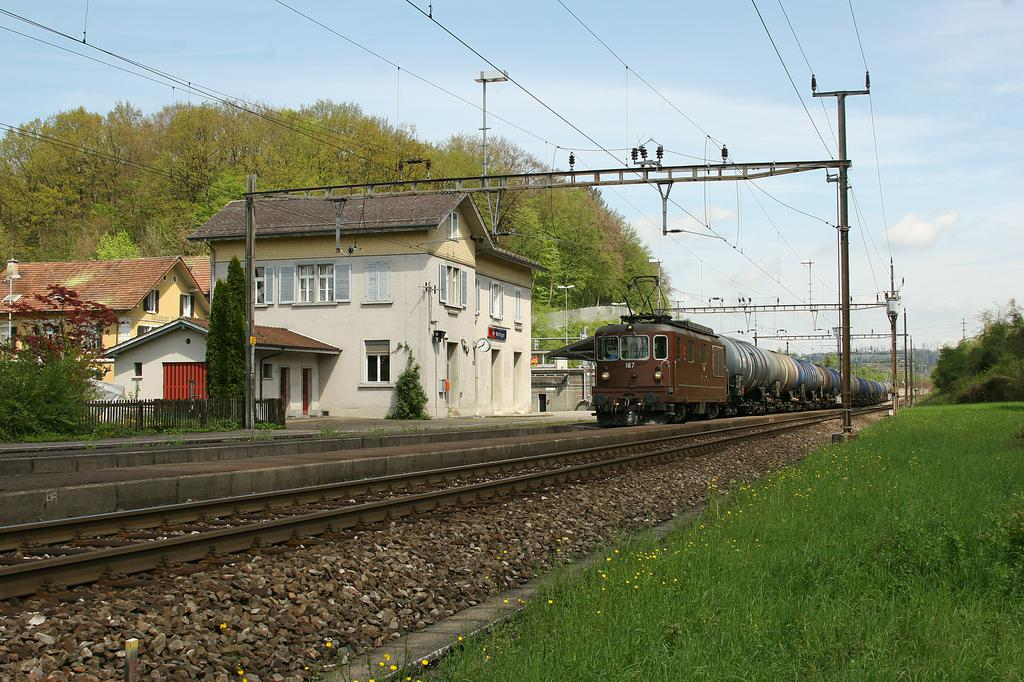 Photo d'une Re 4/4 161-195, Prise à Mellingen le 28 avril 2005 12:43