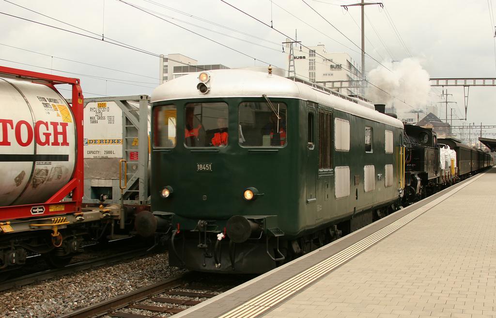 Photo d'une Bm 4/4 II 18451, Prise à Pratteln le 2 avril 2008 03:36