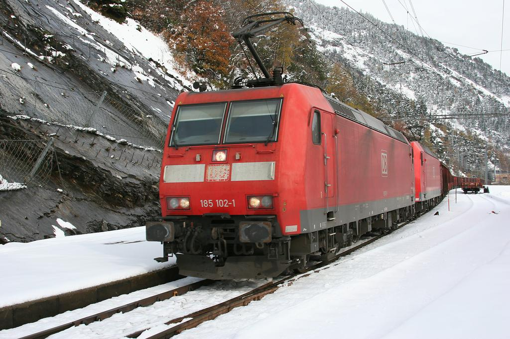 Photo d'une BR 185, Prise à Hohtenn le 30 octobre 2008 02:16