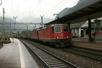 "photo d'une ""Re 420 (Re 4/4 II) 11156-11171 11173-11281 11283-11311 11313-11349 11371-11397"" prise à Erstfeld"