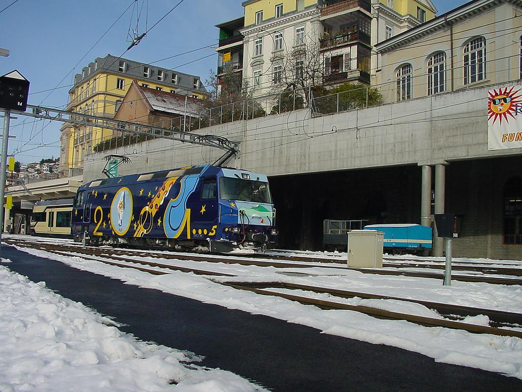 Photo d'une Ge 4/4 8001-8004, Prise à Montreux le 27 décembre 2001 01:08