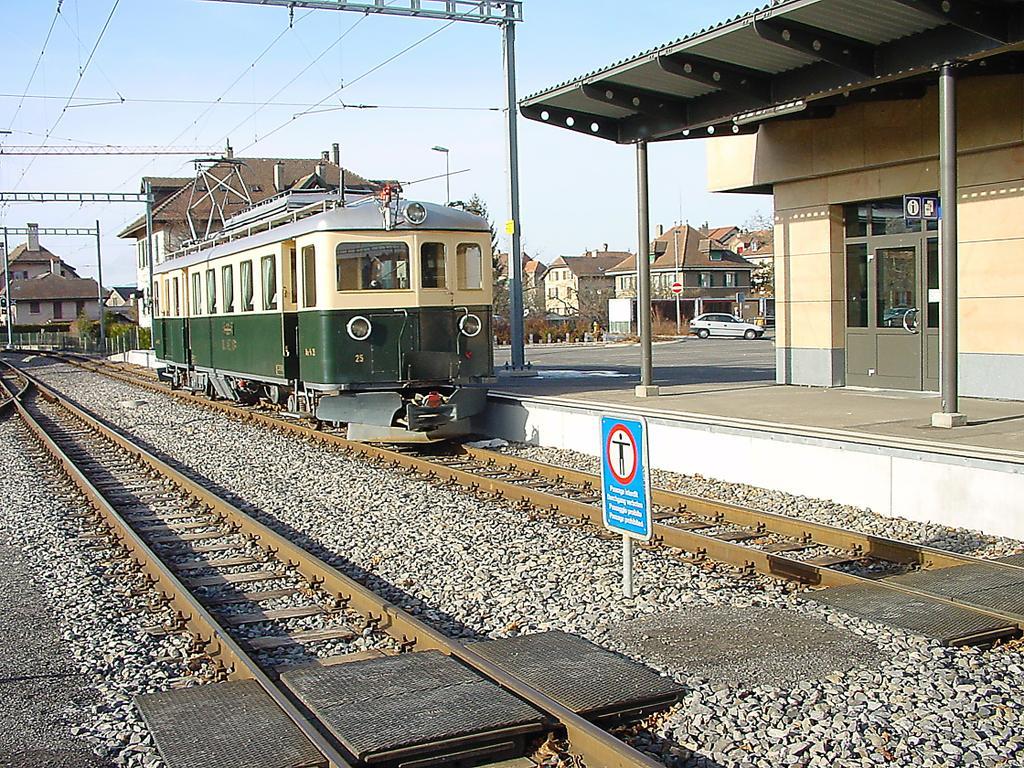 Photo d'une Are 4/4 25, Prise à Echallens le 20 janvier 2002 02:28