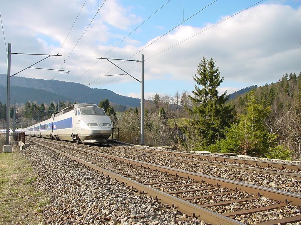 Photo d'une TGV, Prise à Le Day le 24 mars 2002 04:28