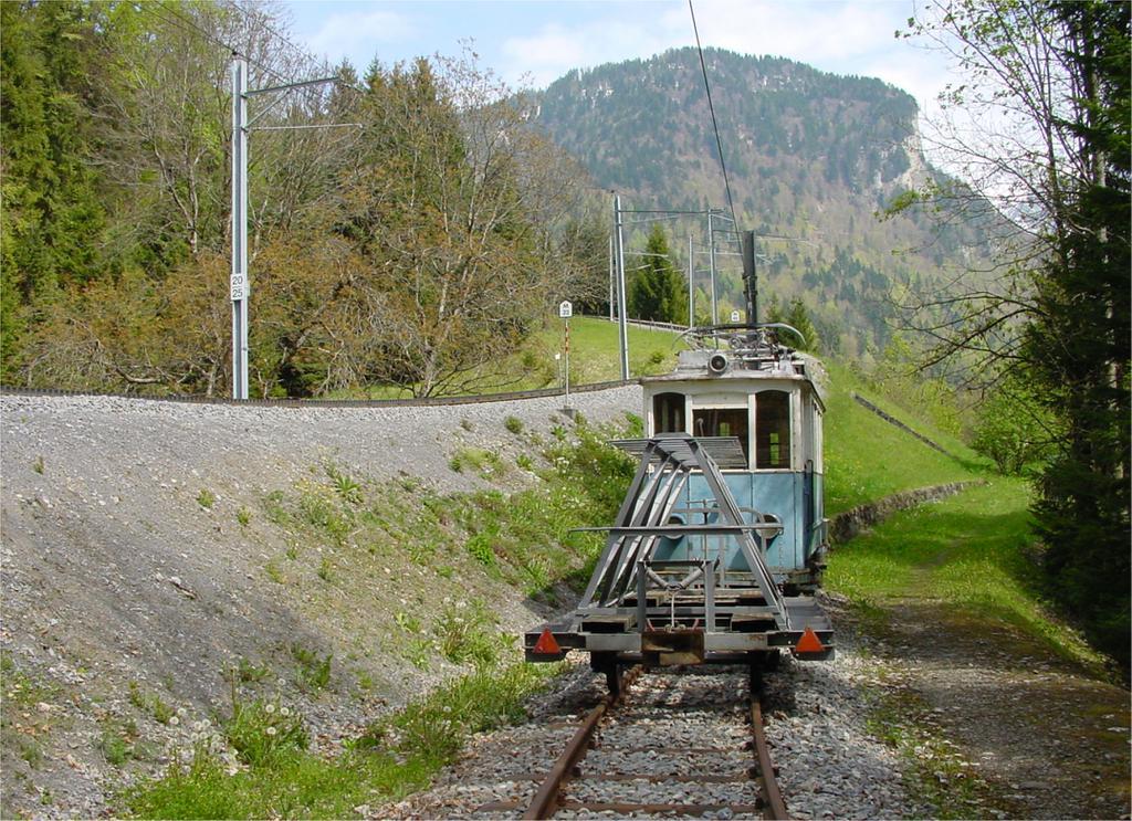 Photo d'une Be 2/2 8-9, Prise à Fontannaz-Seulaz le 7 mai 2002 03:20