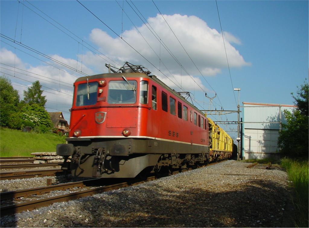 Photo d'une Ae 610 (Ae 6/6) 11403-11520, Prise à Bussigny le 29 mai 2002 06:01