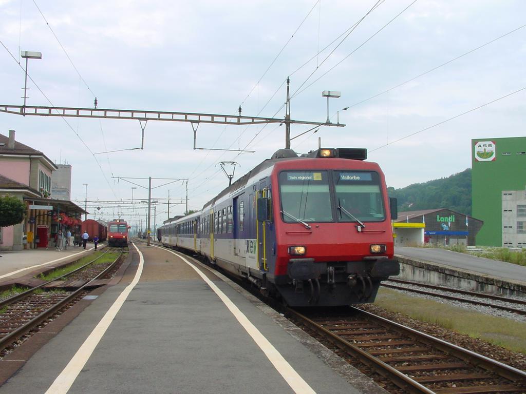 Photo d'une RBDe 560 001-083 100-135, Prise à Moudon le 26 août 2002 03:53