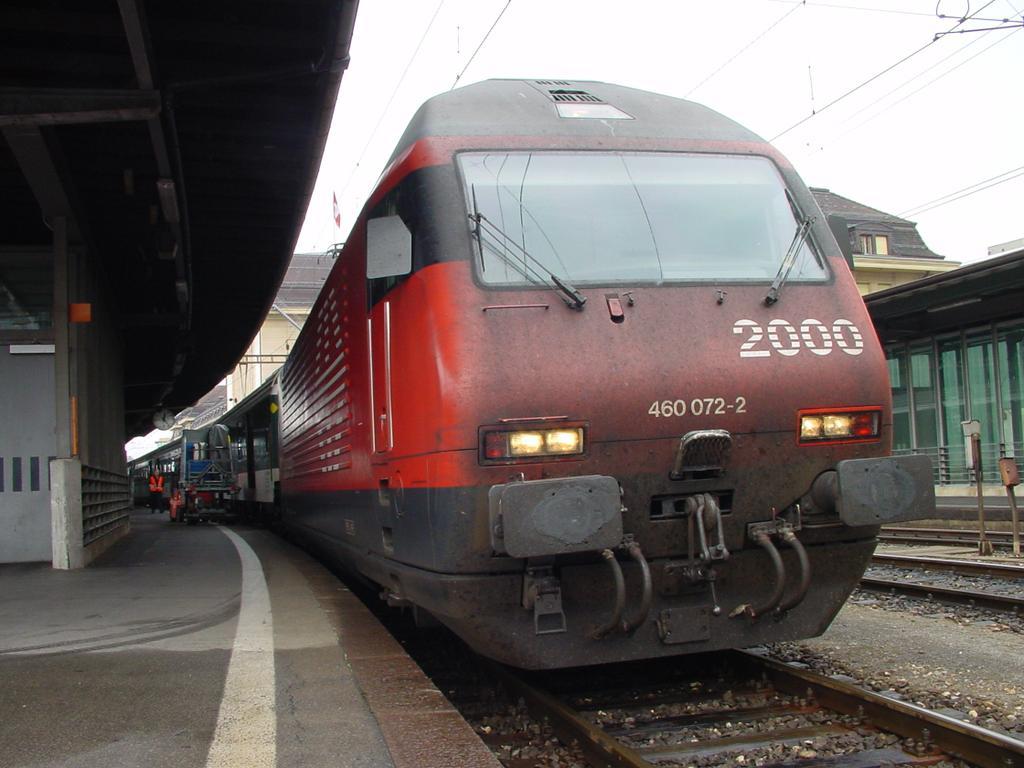 Photo d'une Re 460 000-118, Prise à Lausanne le 19 septembre 2002 12:22