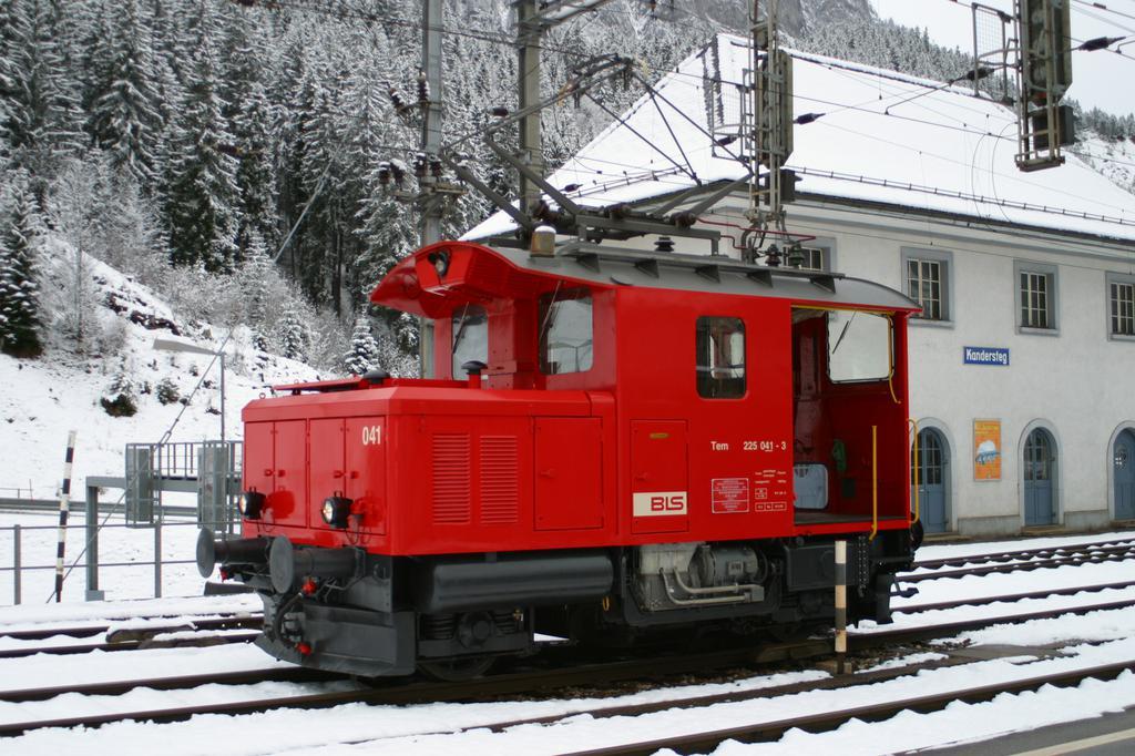 Photo d'une Tem 225, Prise à Kandersteg le 2 décembre 2002 04:27