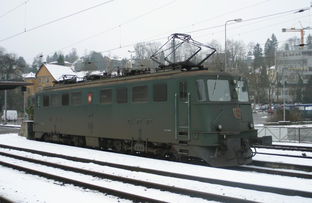 Photo d'une Ae 610 (Ae 6/6) 11403-11520, Prise à Schaffhausen le 14 janvier 2003 03:52