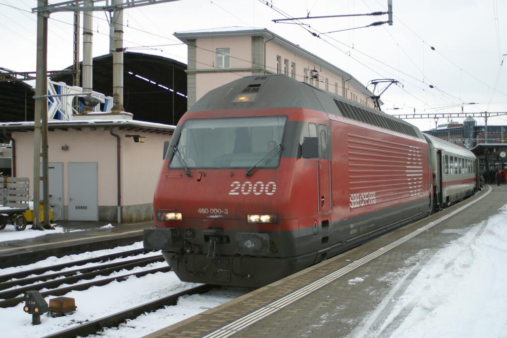 Photo d'une Re 460 000-118, Prise à Olten le 5 février 2003 03:27