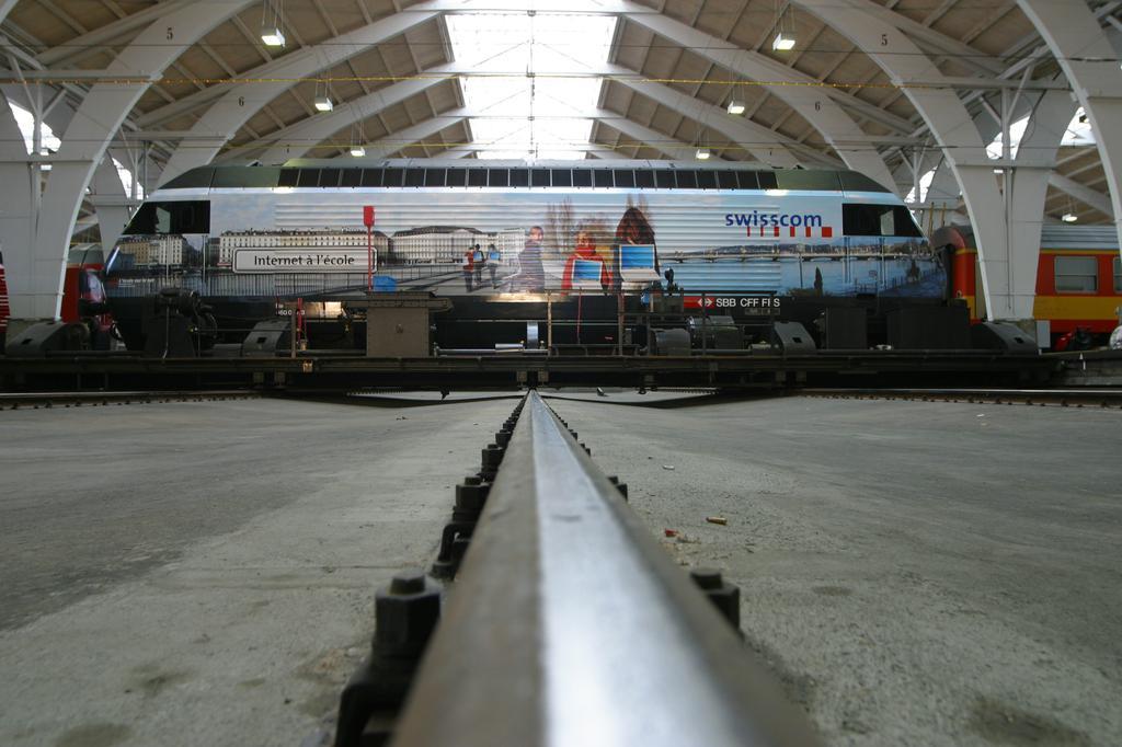 Photo d'une Re 460 000-118, Prise à Bern le 17 février 2003 02:18