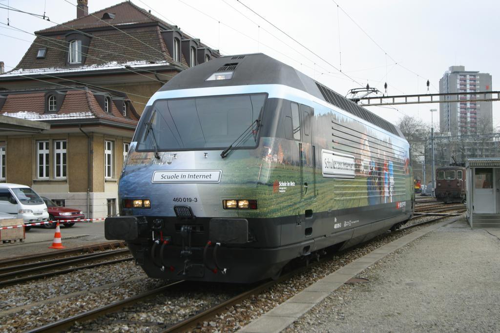 Photo d'une Re 460 000-118, Prise à Bern le 17 février 2003 02:28