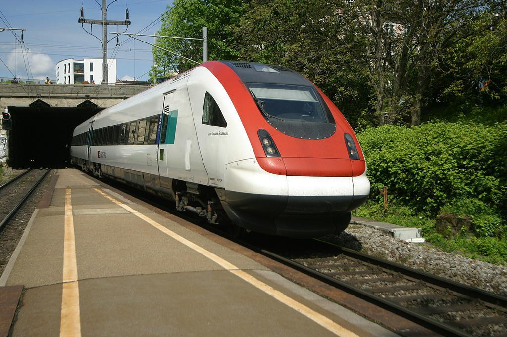 Photo d'une RABDe 500 000-043, Prise à Zürich Wipkingen le 10 mai 2004 02:48