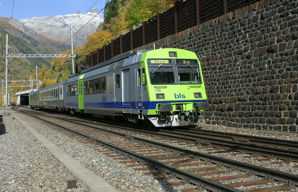 Photo d'une RBDe 565 721-742, Prise à Goppenstein le 25 octobre 2004 12:47