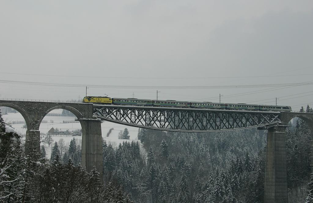 Photo d'une Re 456????, Prise à St. Gallen Haggen le 22 avril 2005 02:05
