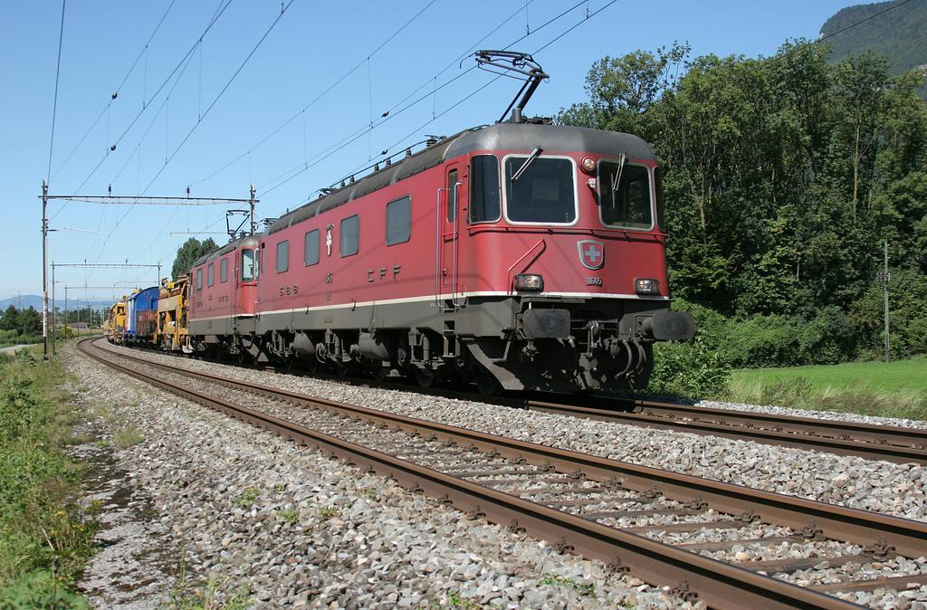 Photo d'une Re 620 (Re 6/6) 11605-11689, Prise à Yvorne le 4 septembre 2006 01:54