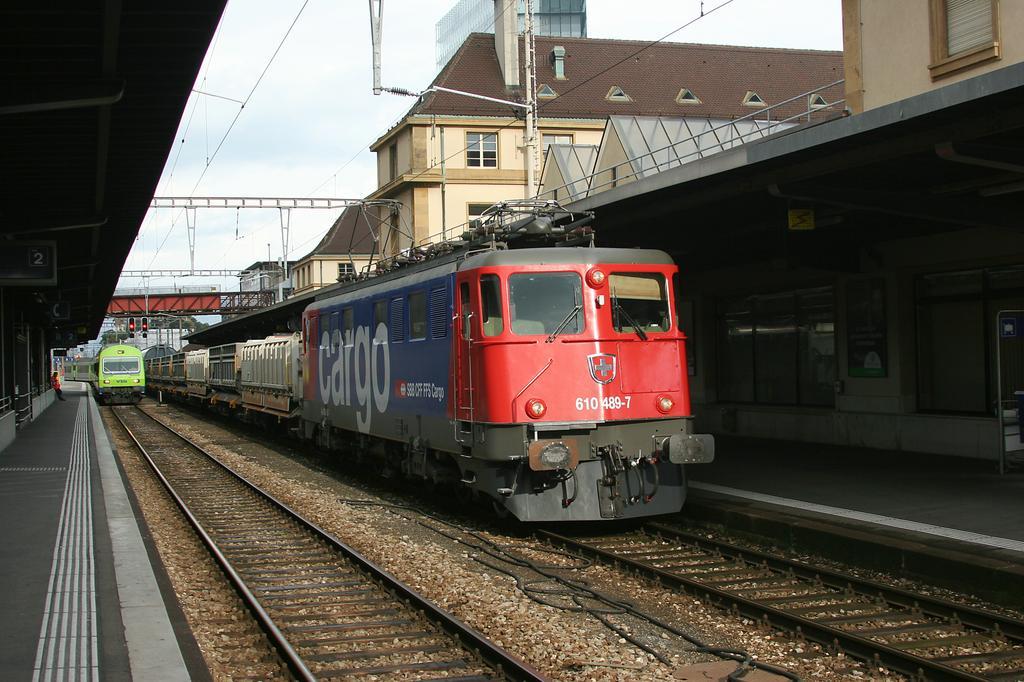 Photo d'une Ae 610 (Ae 6/6) 11403-11520, Prise à Neuchâtel le 26 septembre 2007 05:05