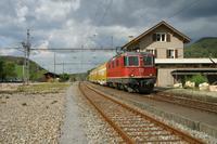 """photo d'une """"Re 420 (Re 4/4 II) 11156-11171 11173-11281 11283-11311 11313-11349 11371-11397"""" prise à Laufelfingen"""