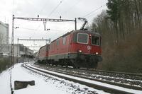 """photo d'une """"Re 420 (Re 4/4 II) 11156-11171 11173-11281 11283-11311 11313-11349 11371-11397"""" prise à Roggwil-Wynau"""